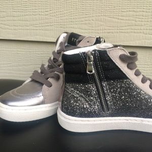 NWOT Steve Madden Mixed Material Sneakers